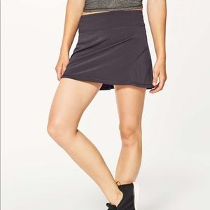 Lululemon Circuit Breaker ll Skirt Size 4 Tall